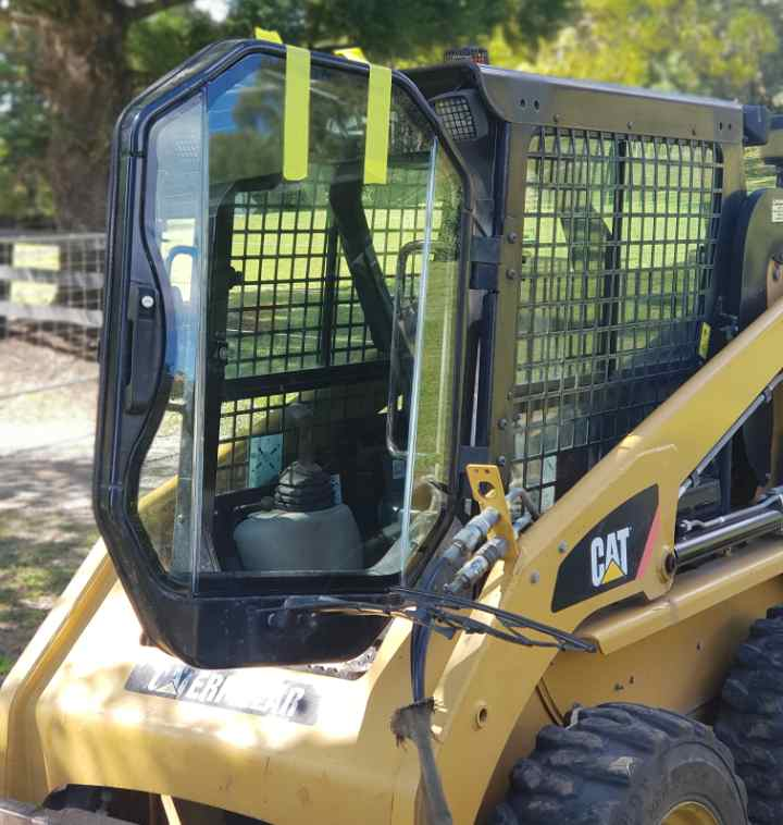 CAT skid steer sealing windscreen joints