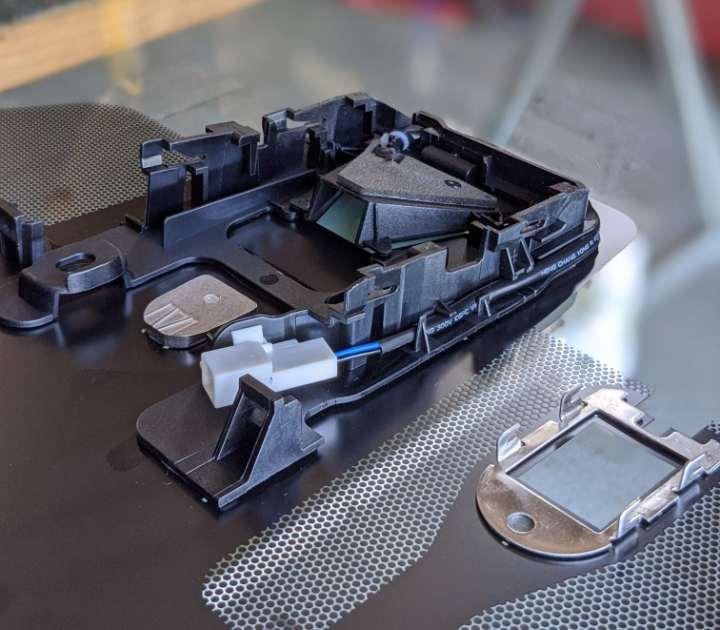 Windscreen sensor mounting bracket