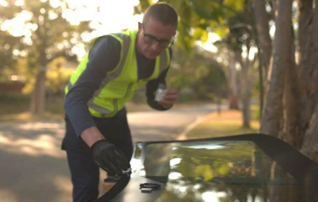 Service 8® Auto Glass Tweed Heads - Michael Smedley
